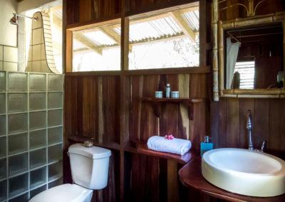 Polehouse_2ndfloor_Bathroom