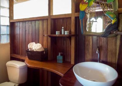 Polehouse_3rdfloor_Bathroom